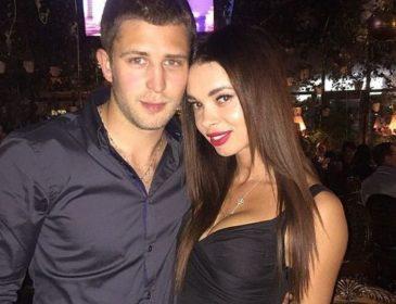 Жена футболиста сборной Украины похвасталась идеальным телом в бикини: соблазнительное фото