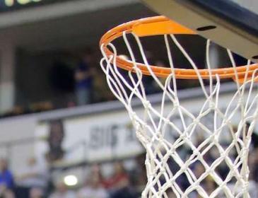 В Греции во время матча умер баскетболист