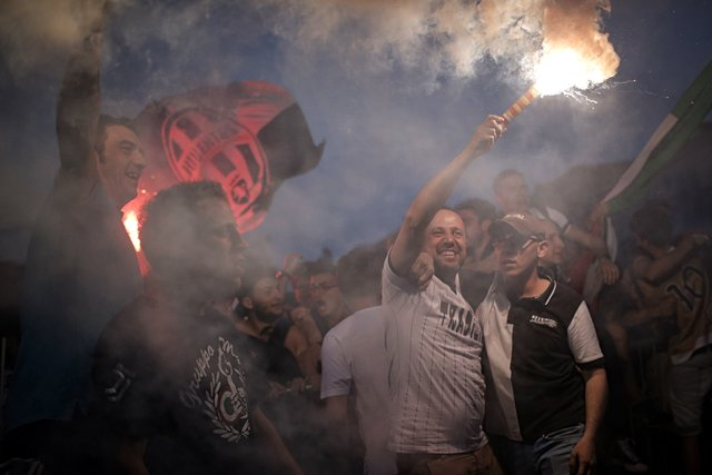 Число жертв в панической давке во время финала Лиги чемпионов возросло до тысячи человек