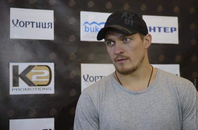 Экс-тренер Усика уверен в легкой победе украинца над Хуком
