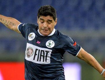 Диего Марадона забил шикарный гол со штрафного удара