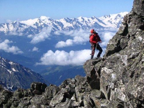 В Гималаях пропал голландский альпинист