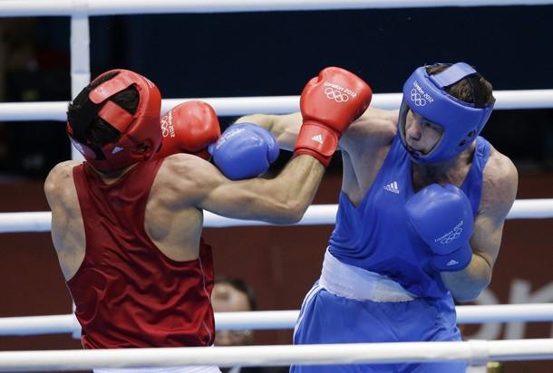 Боксер Игорь Любченко победил россиянина и завоевал золото на чемпионате мира