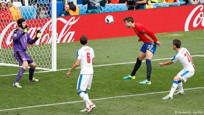 «Евро-2016»: Действующие чемпионы испанцы дожали чехов — 1: 0