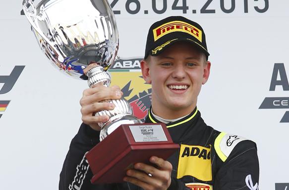В Формуле-4 сын Шумахера выиграл две последние гонки