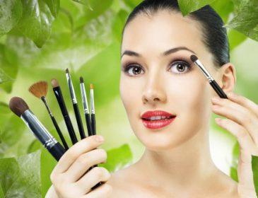 Ученые выяснили, какое воздействие оказывает макияж на мужчин и женщин ( Видео)