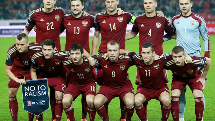 В России спортсмены троллят футболистов сборной после позора на Евро