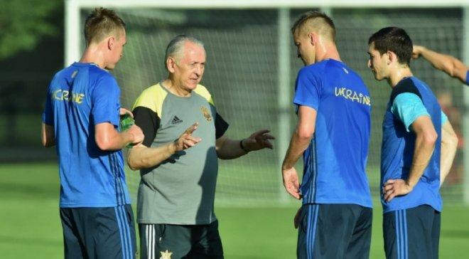 Сборная Украины провела первую тренировку к Евро-2016 во Франции