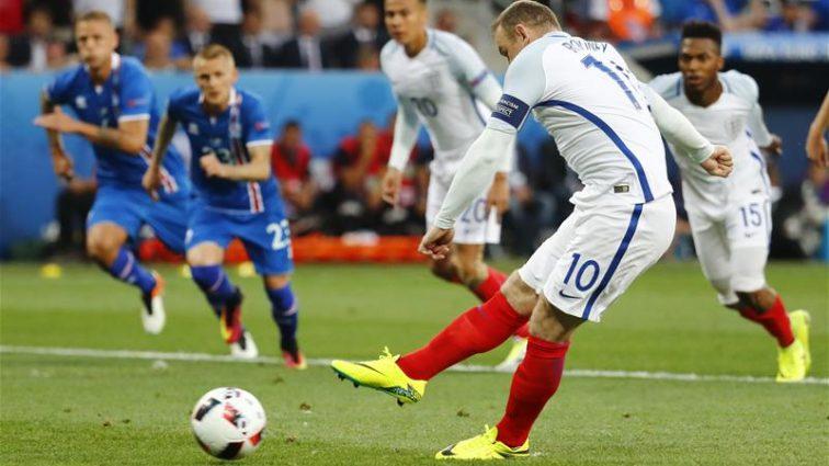 Евро-2016: Исландия сенсационно бьет Англию и проходит в 1/4 финала