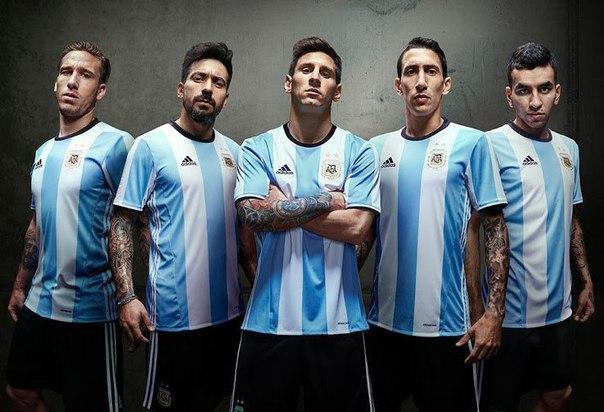 Сразу семь звездных аргентинцев завершают карьеру в сборной
