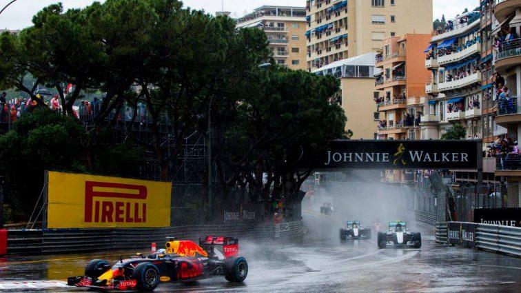 Формула-1. Неоднозначная победа Хэмилтона в Канаде (ФОТО)