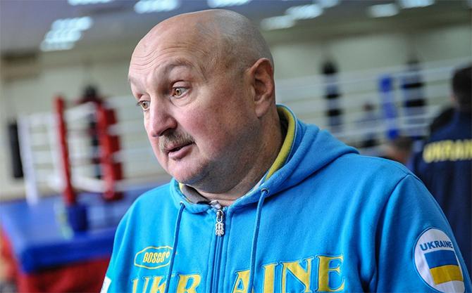 Главный тренер сборной Украины попал в больницу