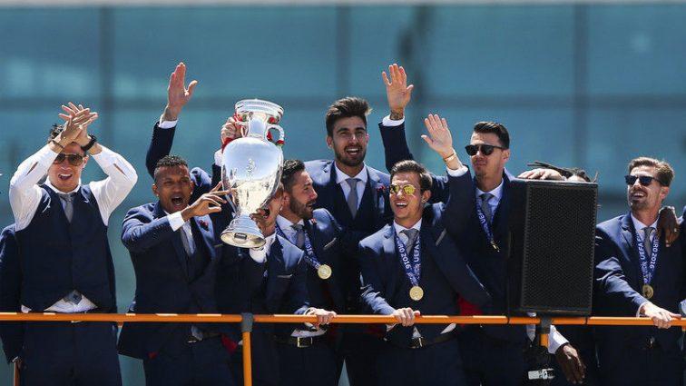 В Португалии встретили триумфаторов Евро 2016. Фоторепортаж