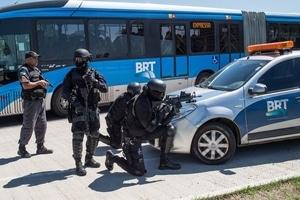 Банда наркодиллеров устроила перестрелку с полицией на олимпийской трассе в Рио