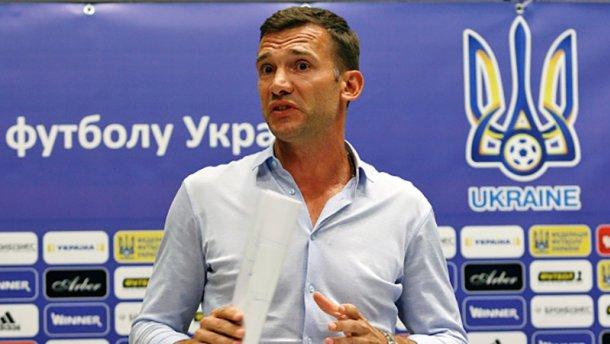 В сети появилась шпаргалка тренера сборной Украины Шевченко
