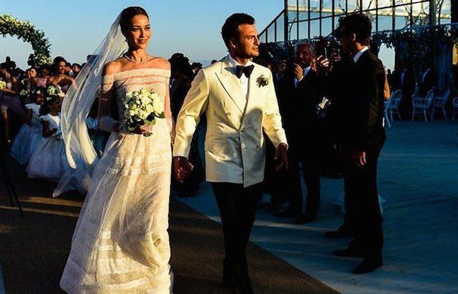 Самая сексуальная модель мира вышла замуж за миллиардера