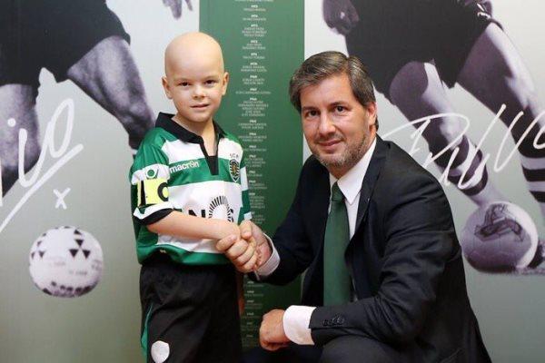 Португальский клуб подписал контракт со смертельно больным мальчиком