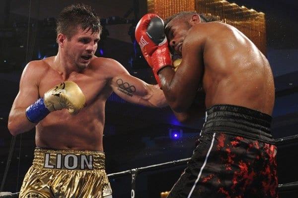Непобедимый украинский боксер избил американца: видео нокаута