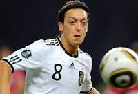 2 футболиста сборных Германии и Франции оплатили операции 22 детям из Танзании