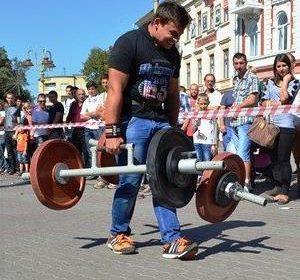 На Львовщине определились победители парного чемпионата мира по стронгмену