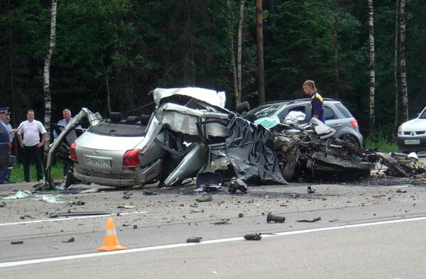 Известный футболист попал в серьезную автокатастрофу