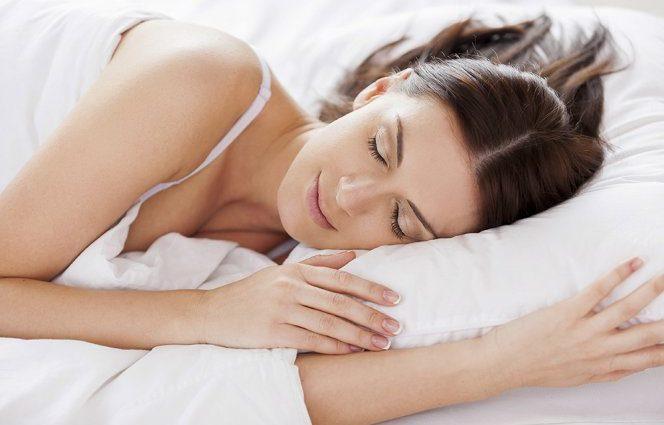 Почему спать на левом боку так полезно?