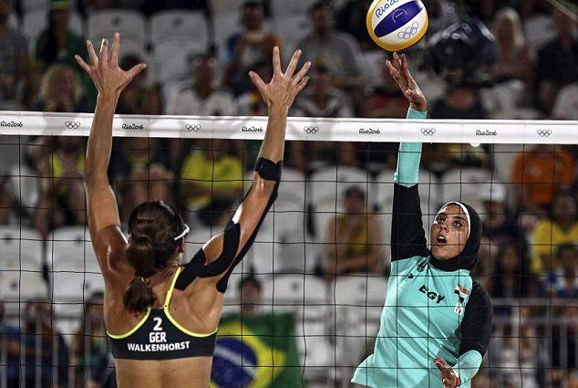 Египетские спортсменки выступили на Олимпиаде в костюмах, согласно нормам шариата