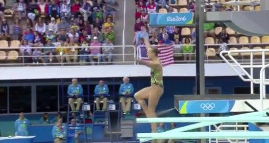Как россиянка прыжком с 3-метрового трамплина опозорилась на весь мир (ВИДЕО)