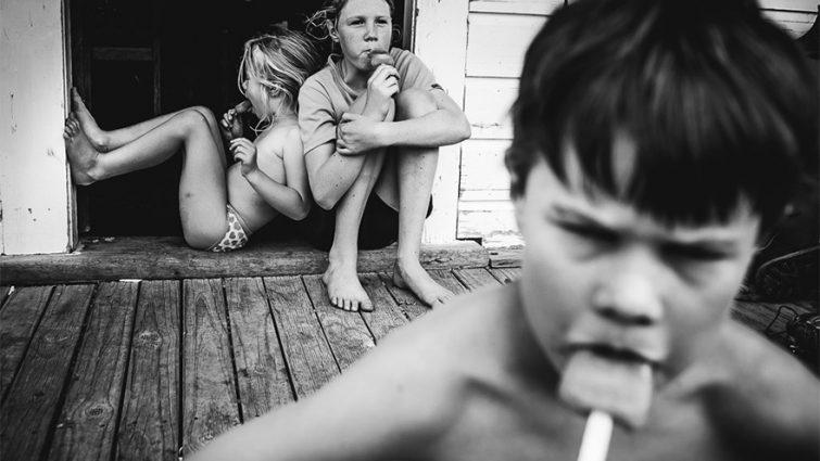 Мама-фотограф показала, как живут её дети без современных гаджетов и интернета (ФОТО)