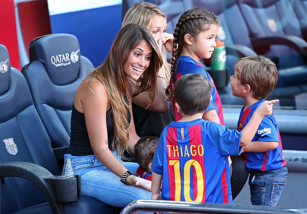 Antonella Roccuzzo,the wife of Leo Messi, with his children, Thiago and Mateo, during La Liga match between F.C. Barcelona v Betis, in Barcelona, on August 20, 2016.  (Photo by Urbanandsport/NurPhoto via Getty Images)