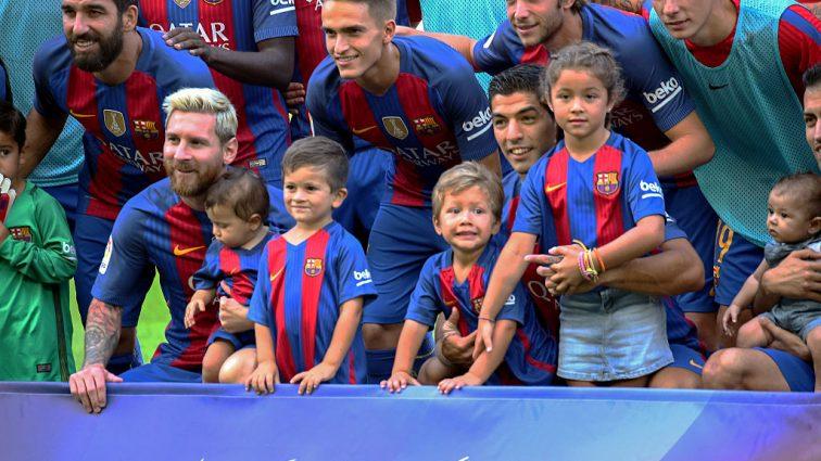 Как звезды «Барселоны» с женами и детьми вдохновились на разгром «Бетиса» Зозули