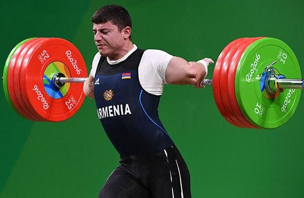 Олимпиада-2016: Армянский штангист получил страшную травму во время турнира