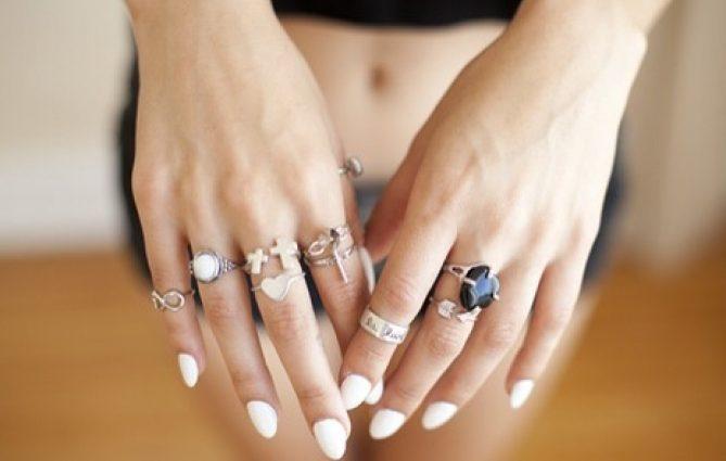 Что означают кольца на различных пальцах: интересные объяснения