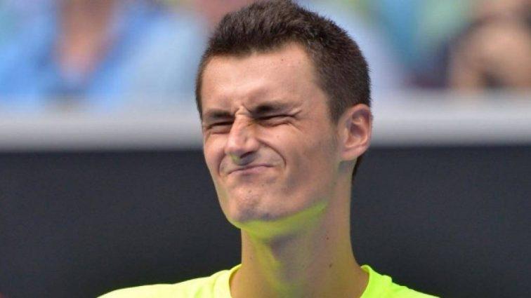 Известный теннисист опозорил своего болельщика на весь мир ( видео )