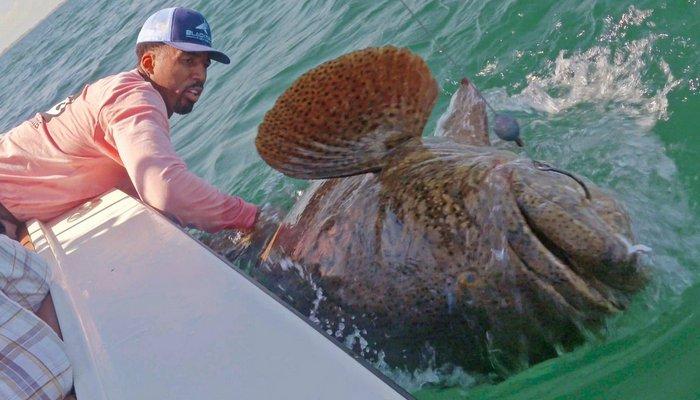 Игрок НБА поймал огромнуб рыбу