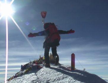 77- летний  мастер спорта из Запорожья умер во время поднятия на вершину Эльбрус