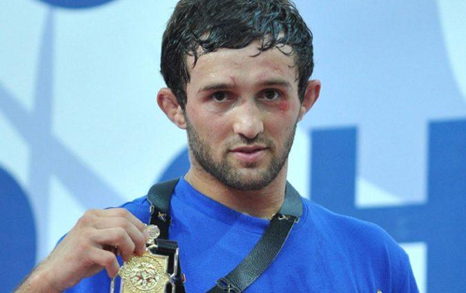 Почему у известного спортсмена после смерти забирают медаль