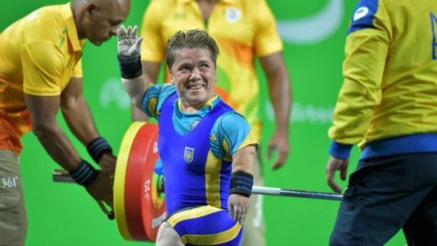 Українська чемпіонка знайшла маму, яка її покинула після народження