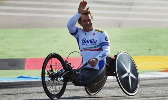 Бывший гонщик «Формулы-1» стал трехкратным чемпионом Паралимпийских игр