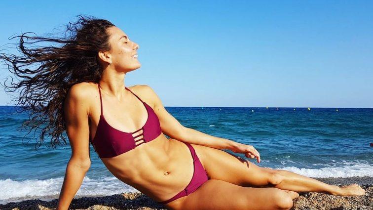 Олимпийская спортсменка обнажилась на пляже (пикантное фото)