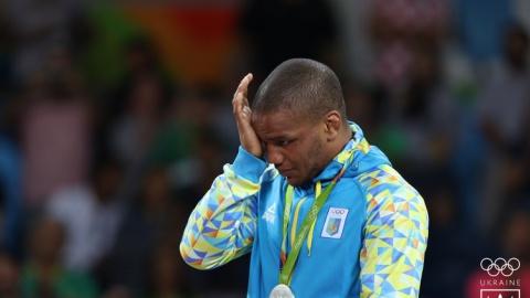 Дожили! Украинскому чемпиону отказали в шенгенской визе