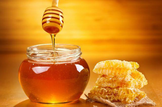 7 секретов, которые помогут определить натуральность меда