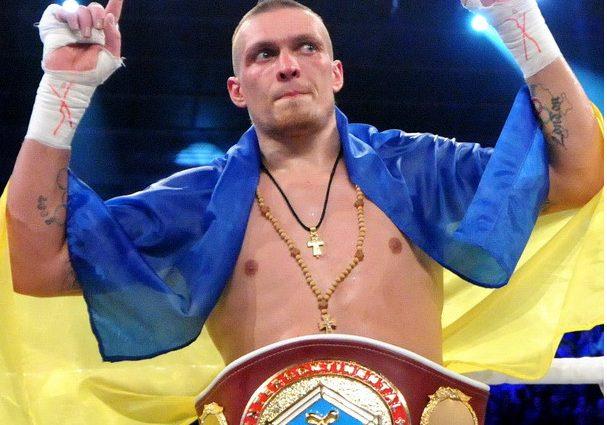 ФОТОФАКТ. Александр Усик признан боксером года по версии WBO