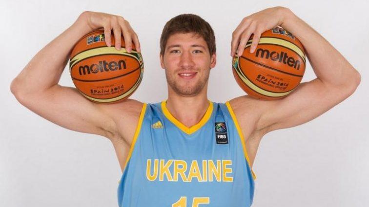 Игрок сборной Украины подписал контракт с «Валенсией» (фото)