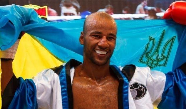 Гордость страны: украинский боксер едет покорять США (фото)