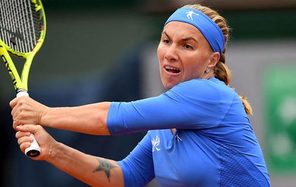 Российская теннисистка постригла себя во время матча (видео)