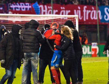 Сын легендарного Ларссона стал жертвой нападения хулиганов после провального матча
