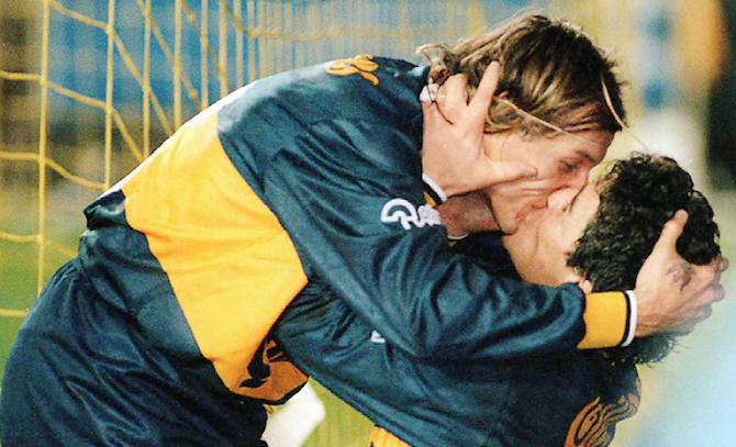 20 незабываемых поцелуев мирового футбола