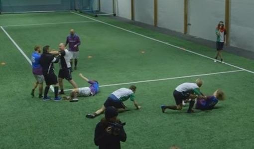 Как норвежцы футбол с алкоголем объединили (видео)