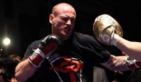 Немецкого боксера после поединка ввели в кому